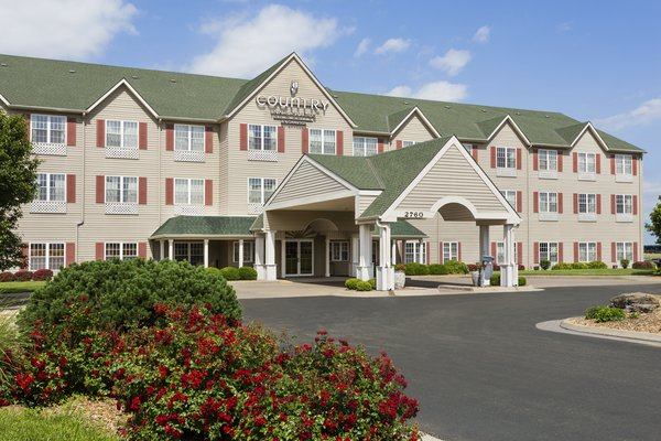 Country Inn & Suites - Salina