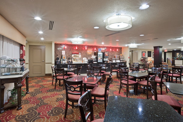 Holiday Inn Express Hotel & Suites - Salina-I-70