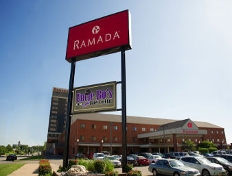 Ramada Downtown Topeka