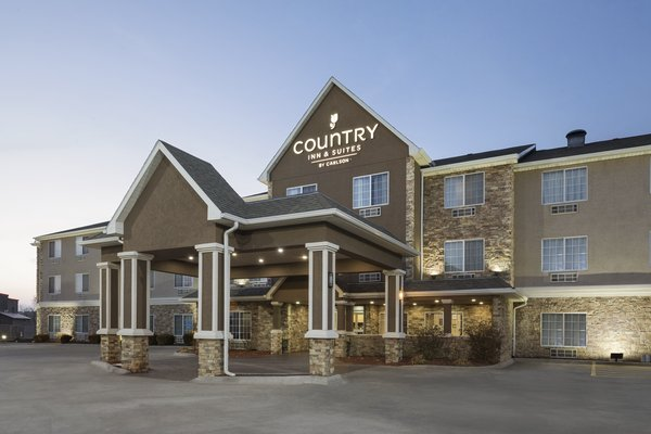 Country Inn & Suites - Topeka