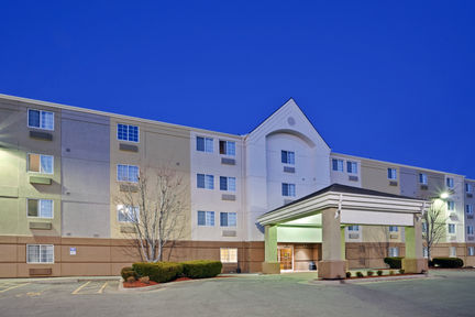 Candlewood Suites - Topeka